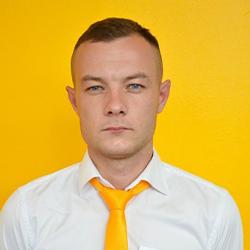 Роман Комаров