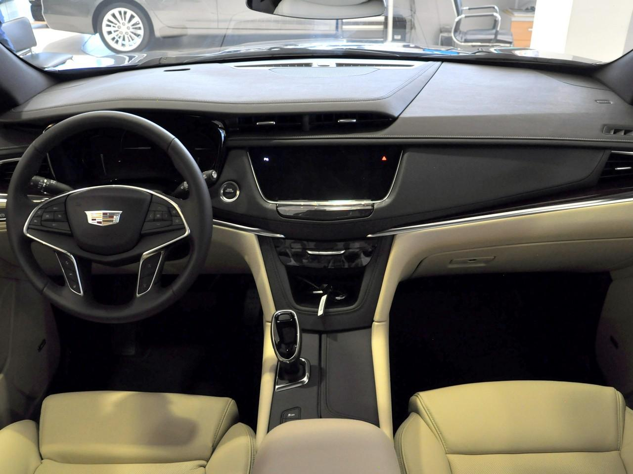 Cadillac XT5 3.6 AT (314 л. с.) Premium
