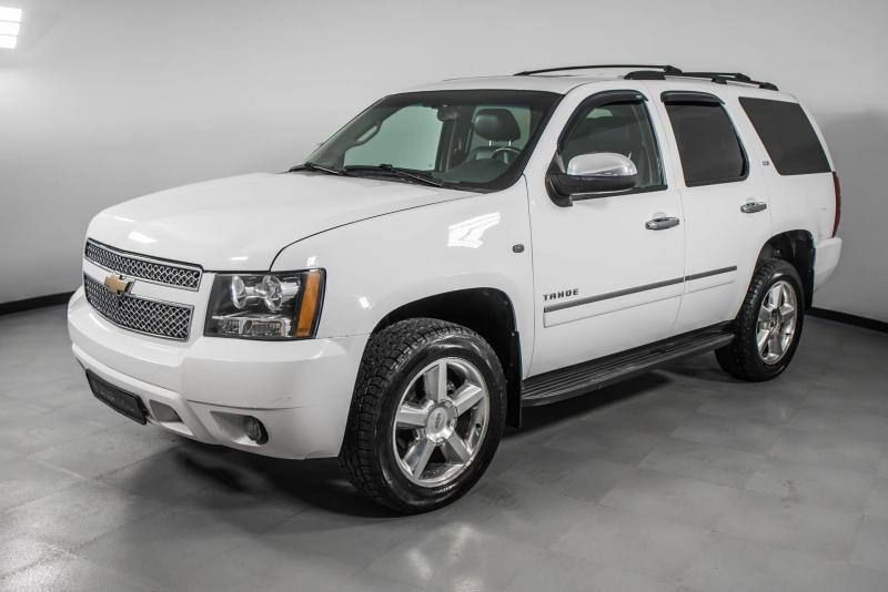 Chevrolet Tahoe 5.3 AT (325 л. с.)