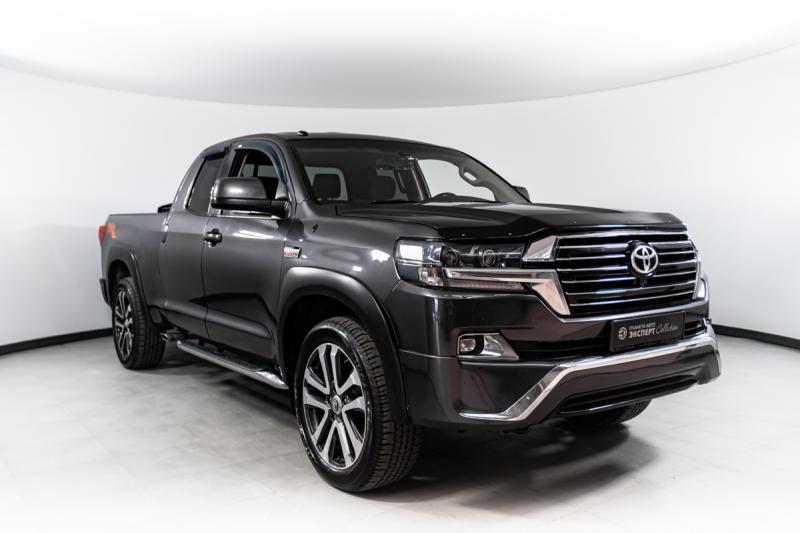 Toyota Tundra 5.7 AT 4WD (381 л. с.)